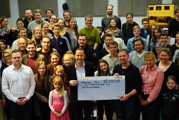 Sydbank giver 75.000 til Mastodonterne